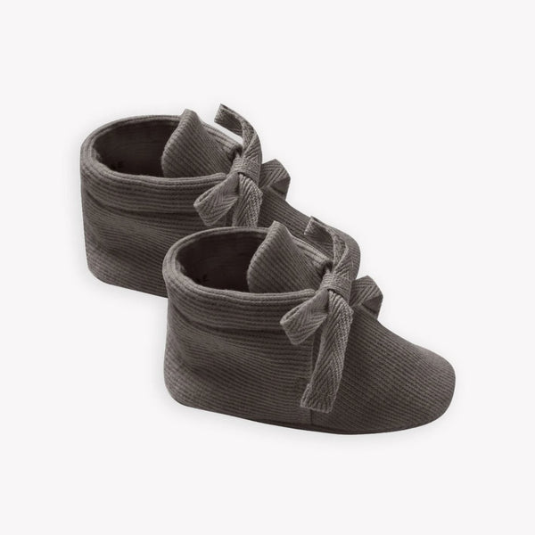 Quincy Mae Booties Ribbed Baby Booties - Coal