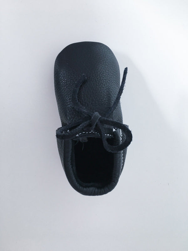 Vic & Ted Accessories 3 / New with Tag Re-Cycle Black Baby Moccasins