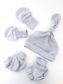 Zak & Zoé Sets NB / Like New Re-Cycle Grey Newborn Accessory Set