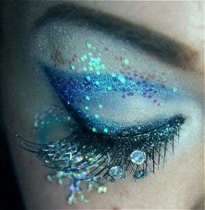 Image Credit : http://blogof.francescomugnai.com/2013/07/30-stunning-and-incredibly-creative-eye-makeup-ideas/