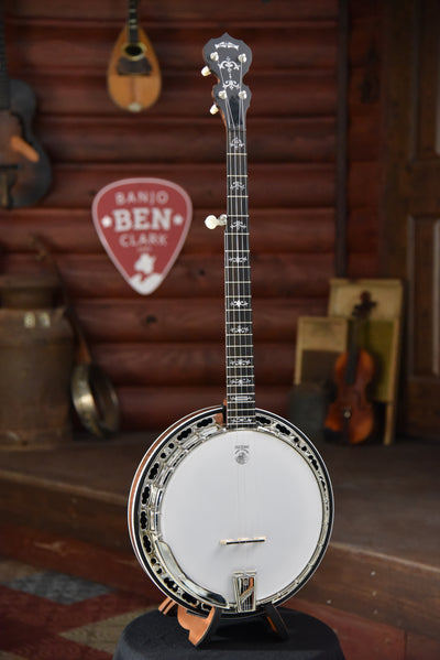 Deering Sierra Maple 5-String Banjo with Case