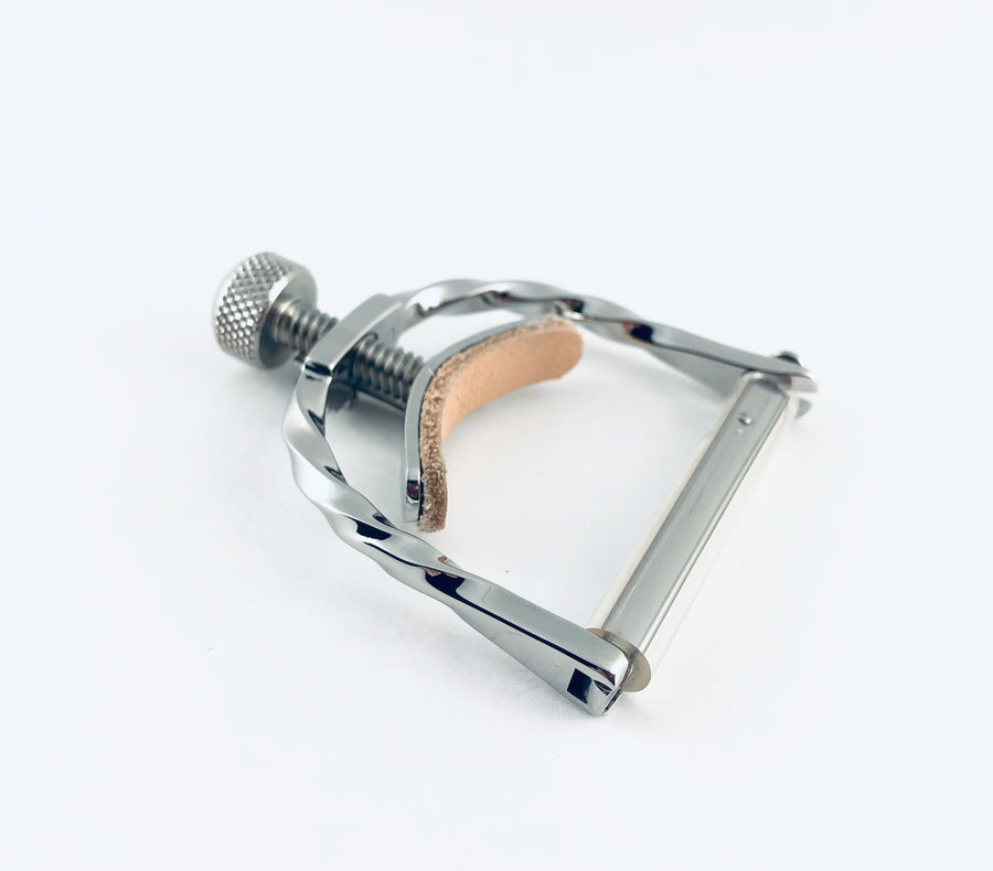 "Elliott Elite 1.45"" Polished Stainless Twist Frame Banjo/Mandolin Capo"