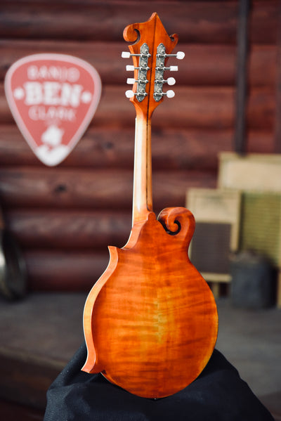 Eastman MD515V Varnish Amber Distressed F-Style Mandolin With Case