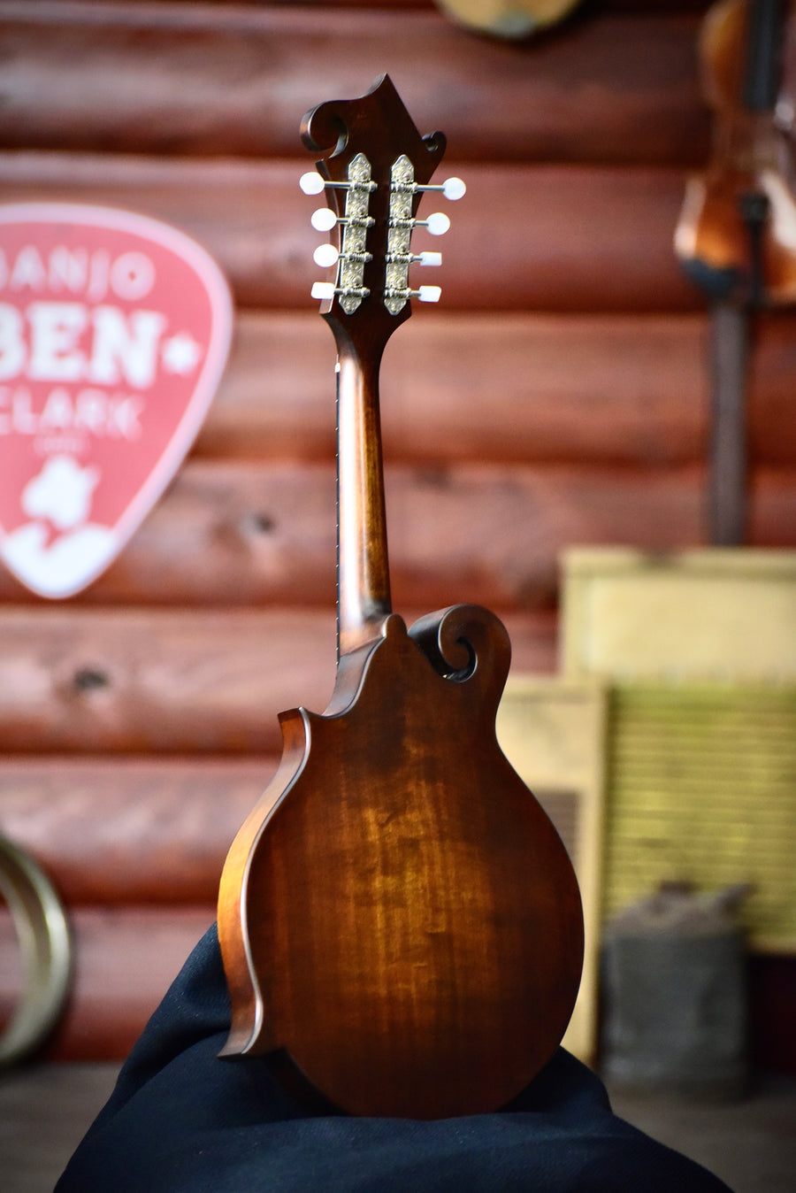Eastman MD515 CC/N F-Style Mandolin With Case