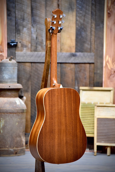 Teton STS100NT Dreadnaught Solid Top Acoustic Guitar