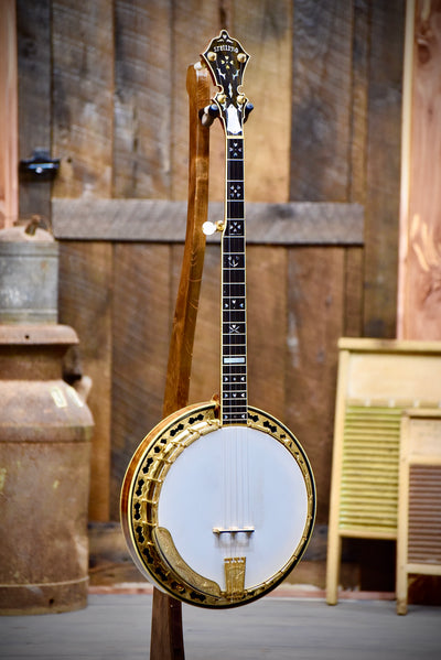 Pre-Owned Stelling Master Flower Golden Deluxe 5-String Banjo With Case