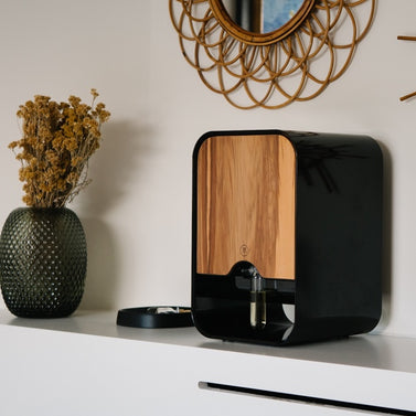 Scent Creator - Shiny Black with Zebrawood Cover