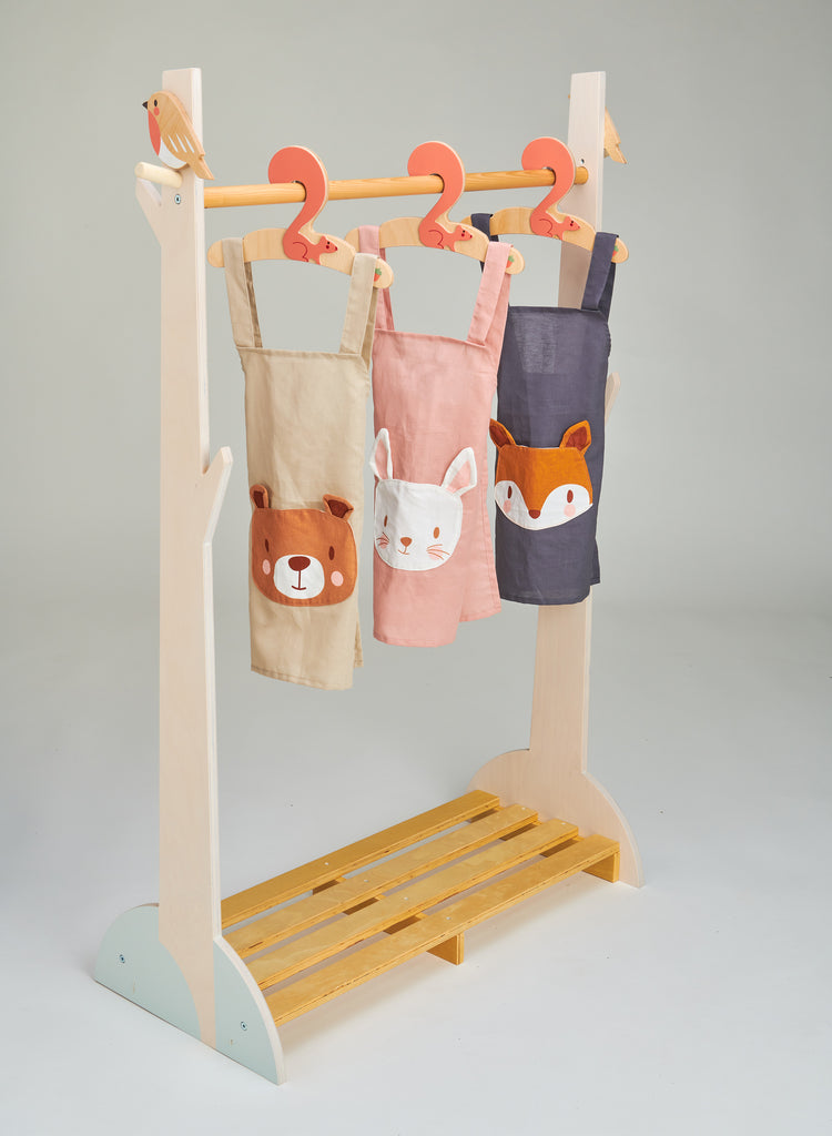 linen apron for children with bunny rabbit pocket machine washable and plastic-free in pink