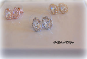 Teardrop stud earrings in rose gold silver and gold material