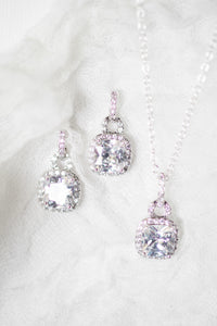 gorgeous silver square earrings and necklace set