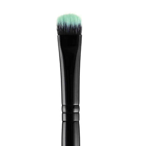 BLACK BEAUTY EYESHADOW BRUSH