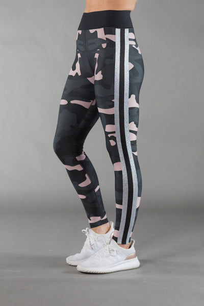 Ultra High Camo Collegiate Blush/Silver