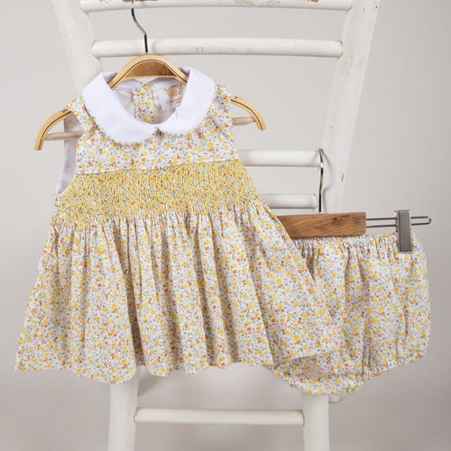 CARAMELO KIDS SLEEVELESS SMOCKED LEMON FLORAL DRESS
