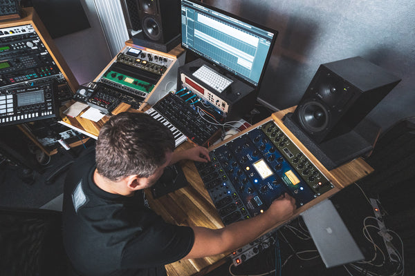 Analog Mastering for Techno and House