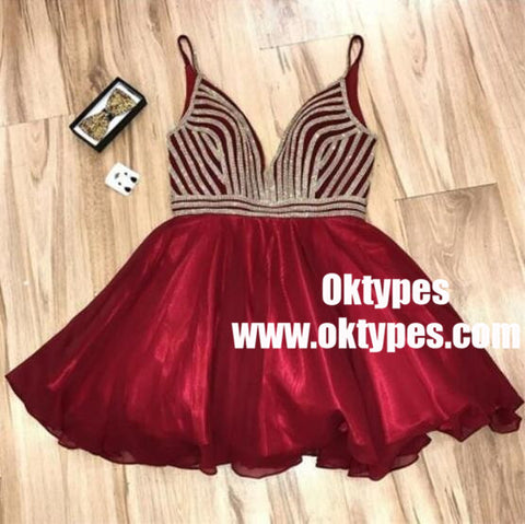 products/A-Line_Deep_V-Neck_Burgundy_Short_Homecoming_Dress_2_720x_70718028-ca07-4932-8125-027417bbee54.jpg