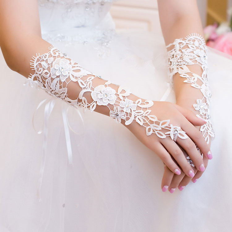 Long Bridal Gloves, Lace Appliques Gloves, Lovely Gloves With Beaded, TYP0573