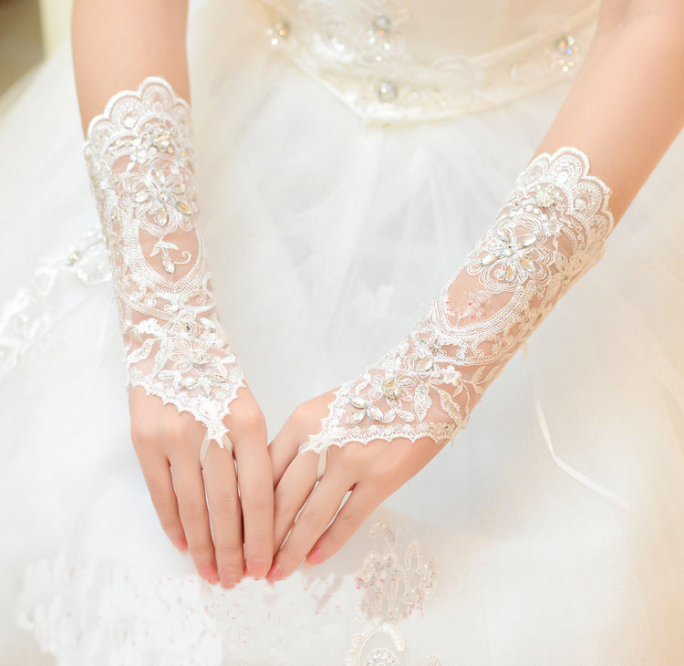 Wedding gloves, Ivory gloves, Bridal gloves, Lace with no fingerprints,Bridal accessories, Bright gloves, Belly dancer, Beach weddings, Prom, TYP0570