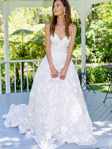 products/white_wedding_dresses.jpg