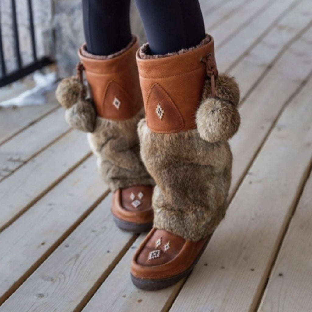 Retro Fashion Artificial Fur Ball Warm Handmade Snow Boots