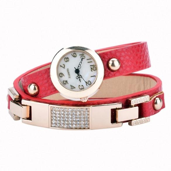 Women Vintage Synthetic Leather Strap Watch The Set Screw Rivets Bracelet Watch