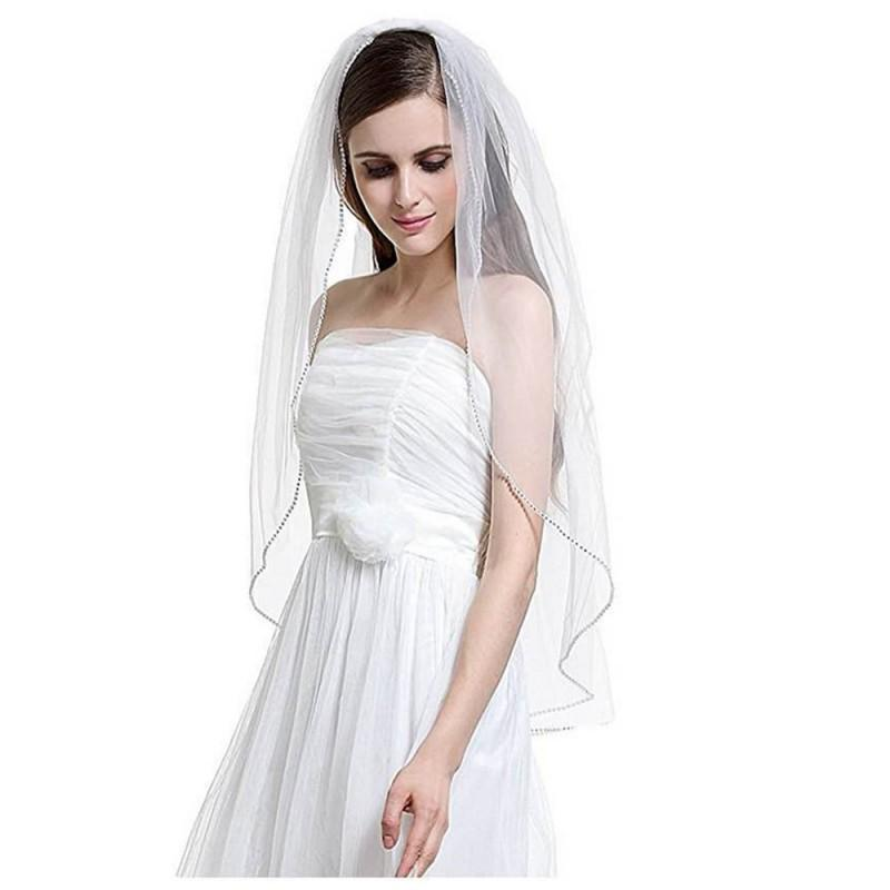 Short & Simple One-layer Wedding Veil | 75cm in Length with Comb & slightly beaded edge