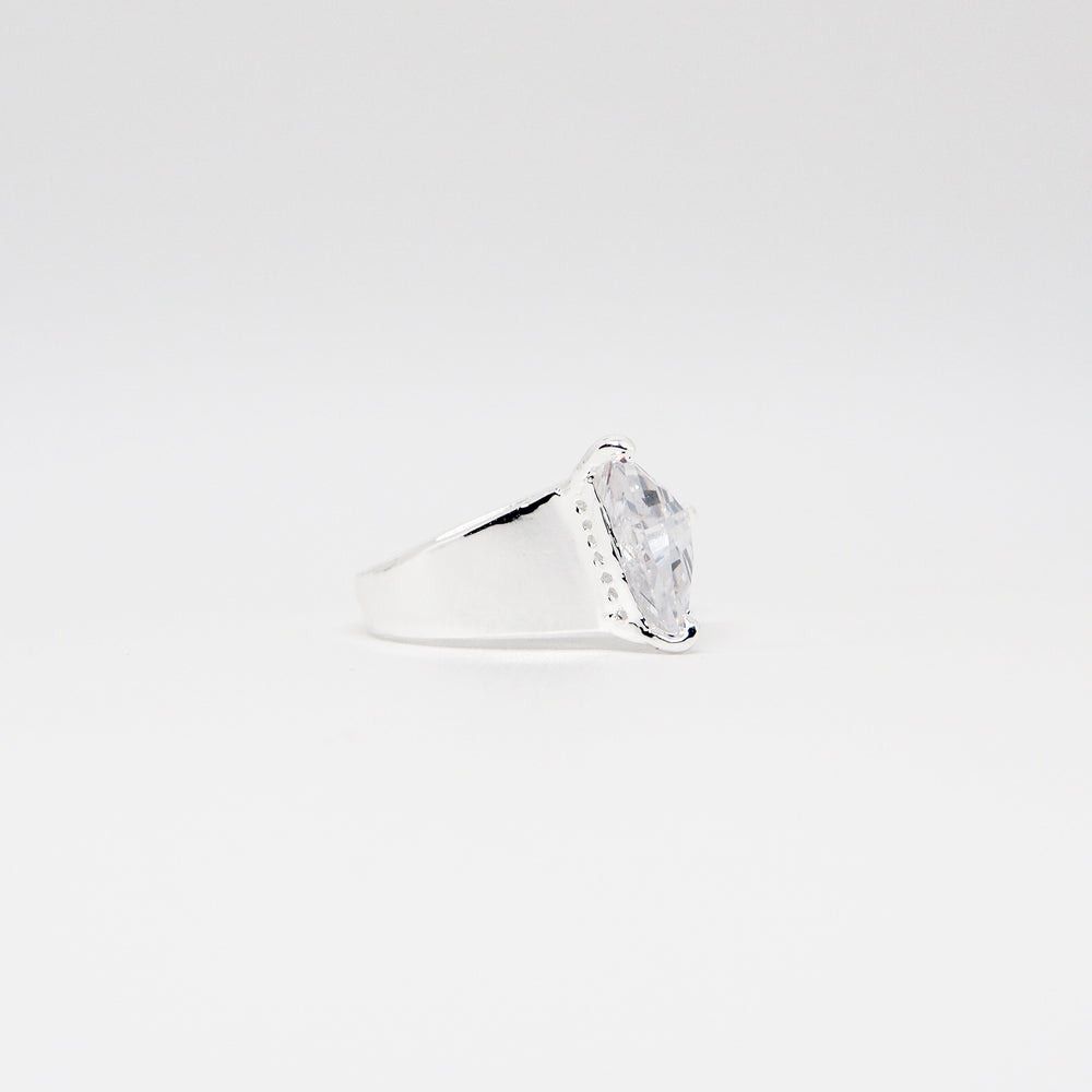 Triangle Ring - White Quartz - Silver