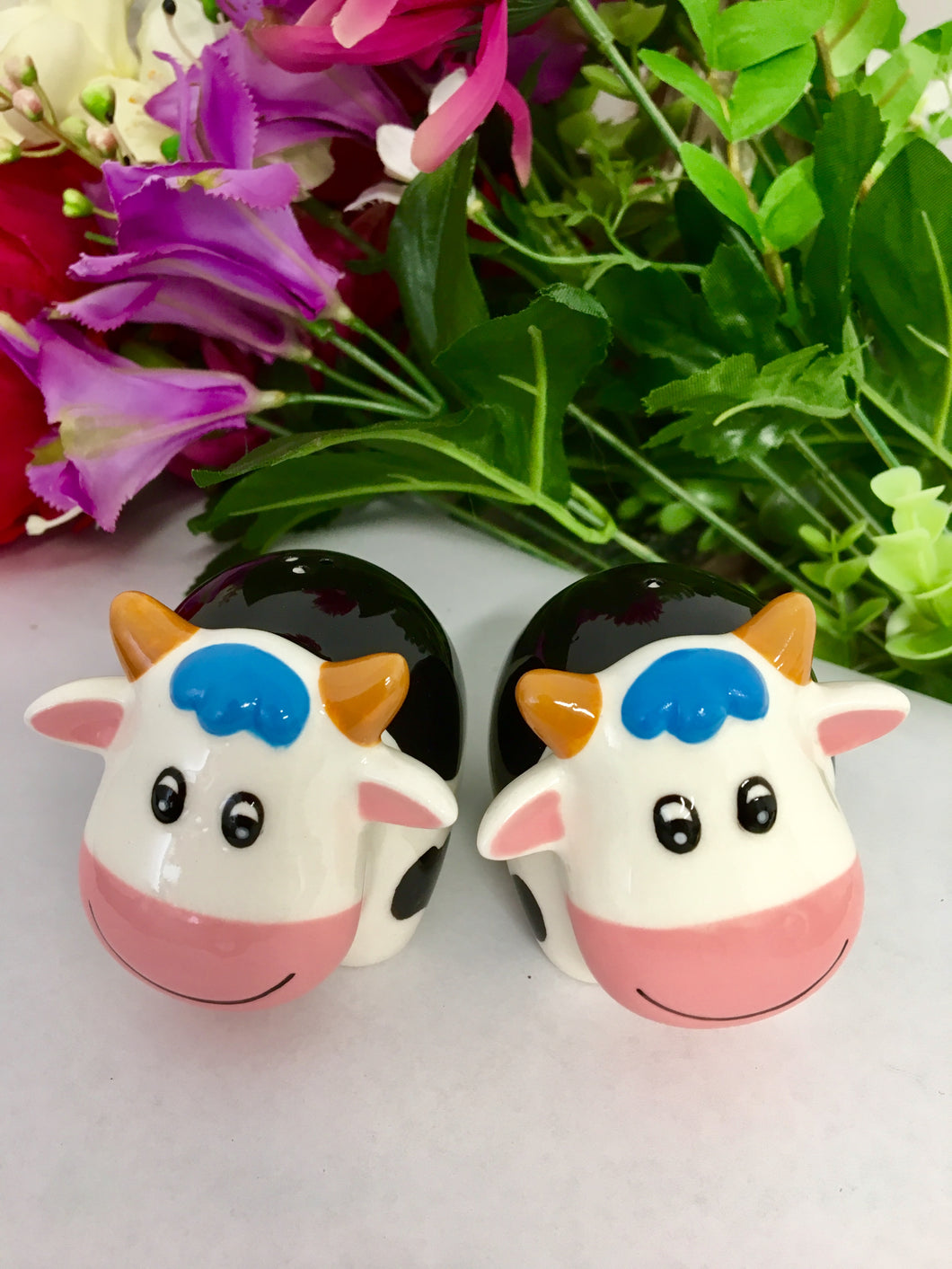 Groovy Cows - Salt Pepper Shakers