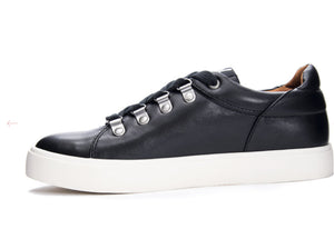 Elle Smooth Black Sneaker