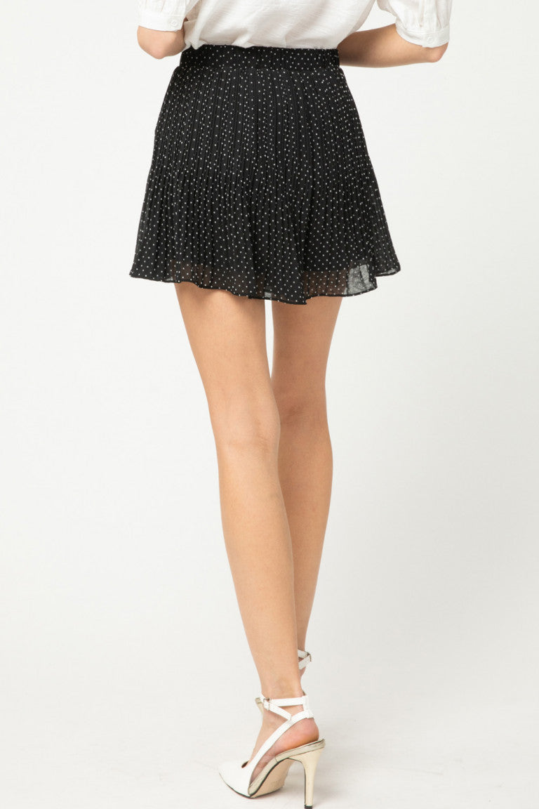 Polka dot pleated flared shorts