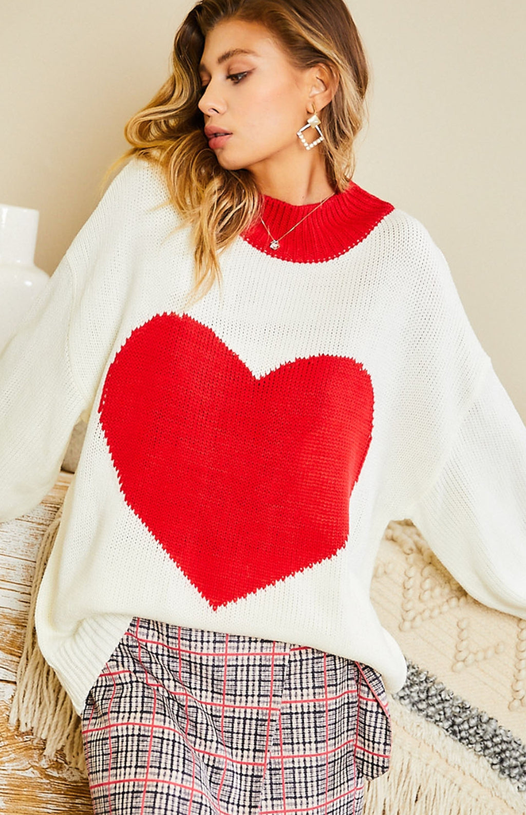 Mock Neck Heart Bubble Sleeve