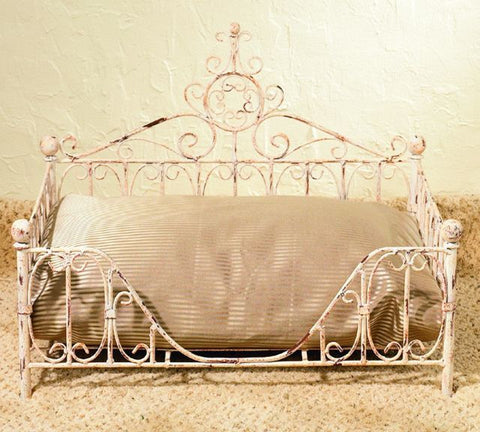Old World Antique Paris Pet Bed - The Ritzy Gift