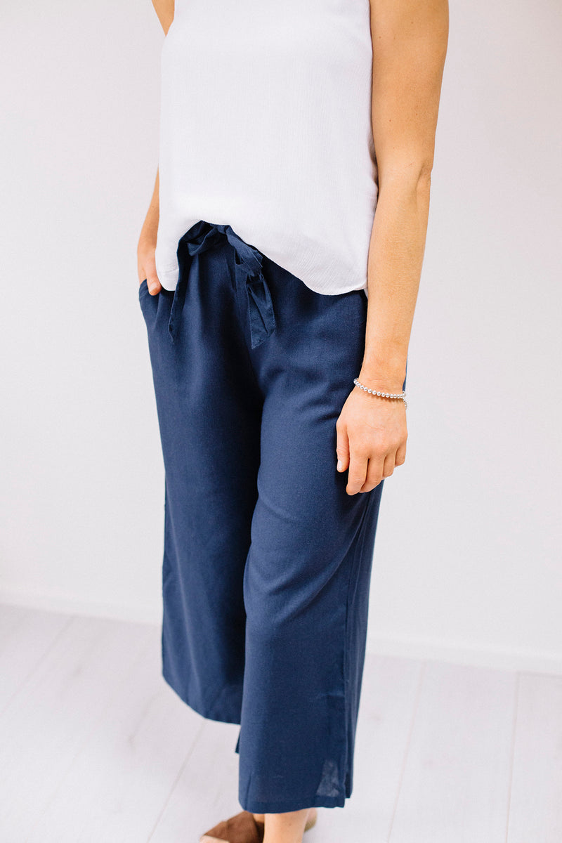 Chloe 3/4 Pants - Navy