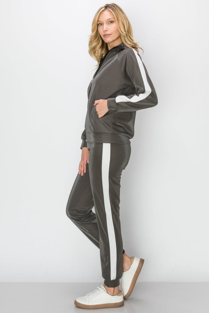YPS-3141-GRY |Grey & White Side-Stripe Metallic Active Jacket & Joggers