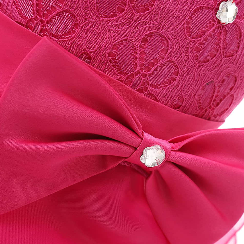 Big Bowknot Decorates in the Waist