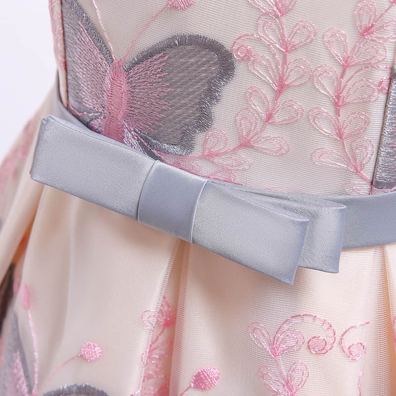 A bowknot at the Slim Waist Line