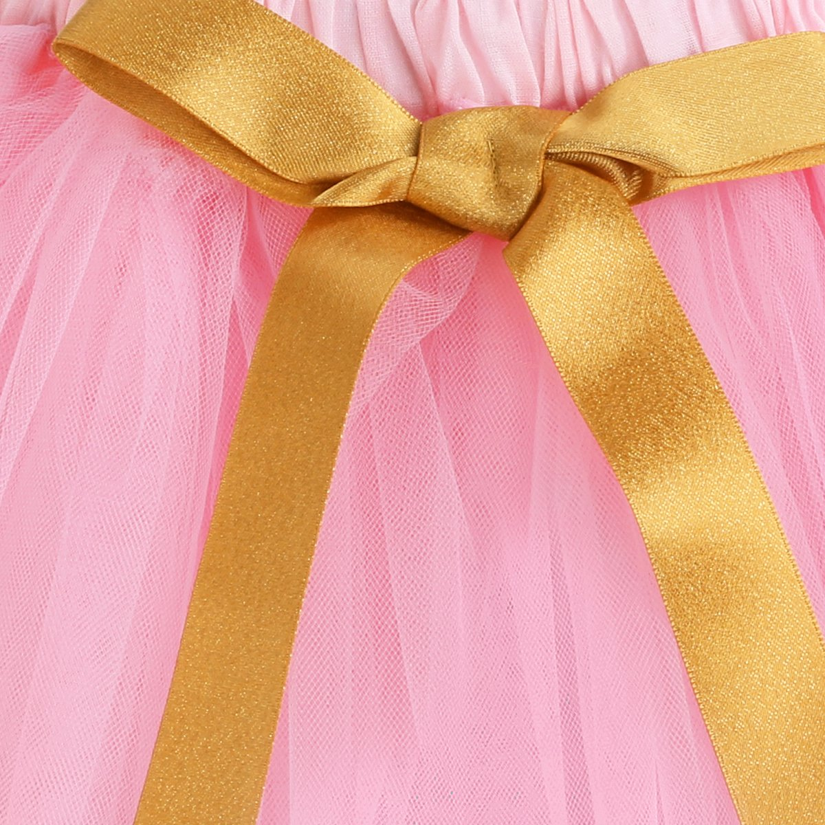 gold_color_bow_tie_in_front_of_the_skirt