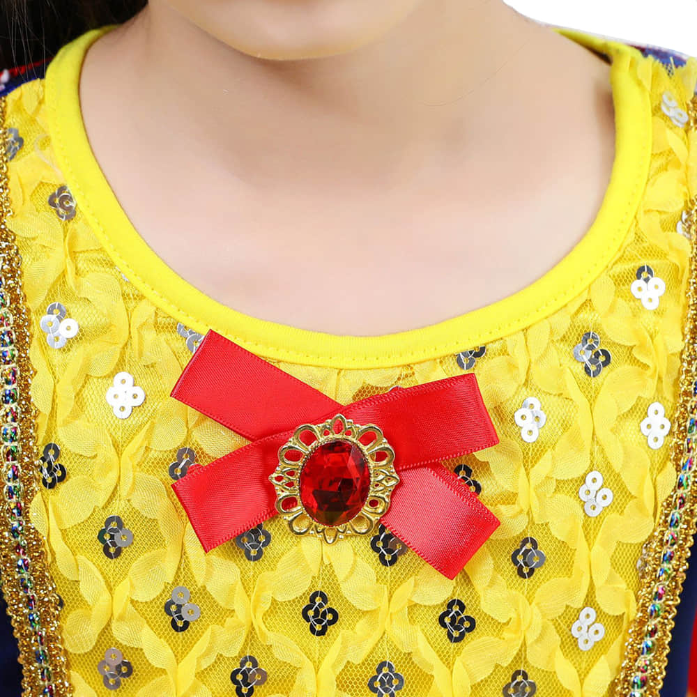 Round Neck Design and Bowknot Decoration