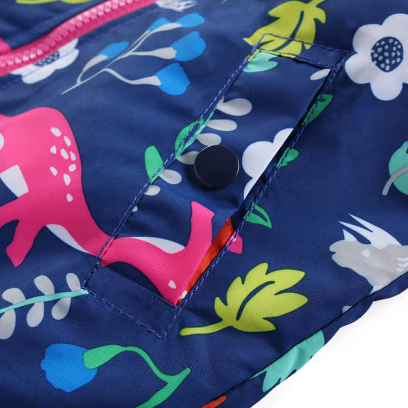 Zipper Closure and Side Pocket with Button Design
