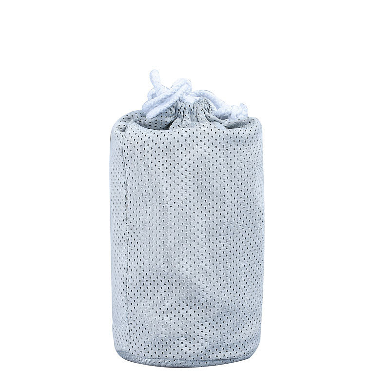 the_baby_wrap_can_be_enfold_into_a_bag