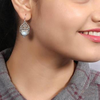 Moonstone Earring-Lustrous Whisper