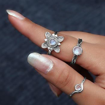 Moonstone Ring-Curved Illumination