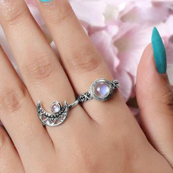 Moonstone Ring-Delicate Opinion