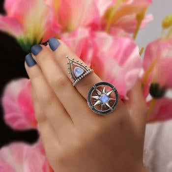 Moonstone Ring-Moon Direction