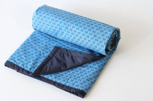 Clara Blanket  [klaa-ruh] - Co-Lab SA