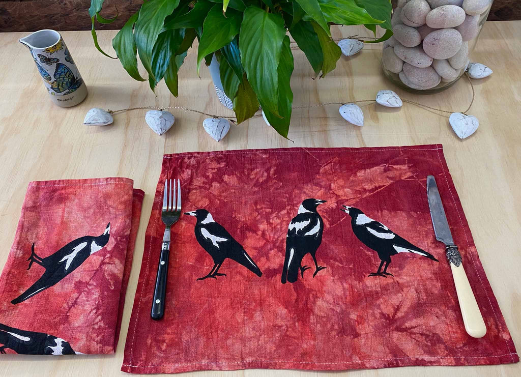 Napkins: Magpies