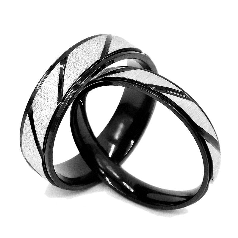 Gold Plated Wedding Ring Set for Couples with Black Finish Inlay and Embossed Design - Innovato Store