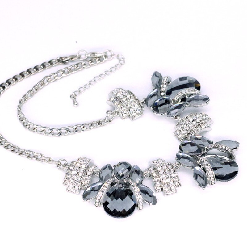 Luxury Bees Rhinestones and Crystals Pendant Necklace