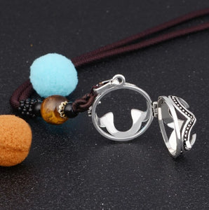 Hollow Out Geometric Pattern Aromatherapy Pendant Necklace