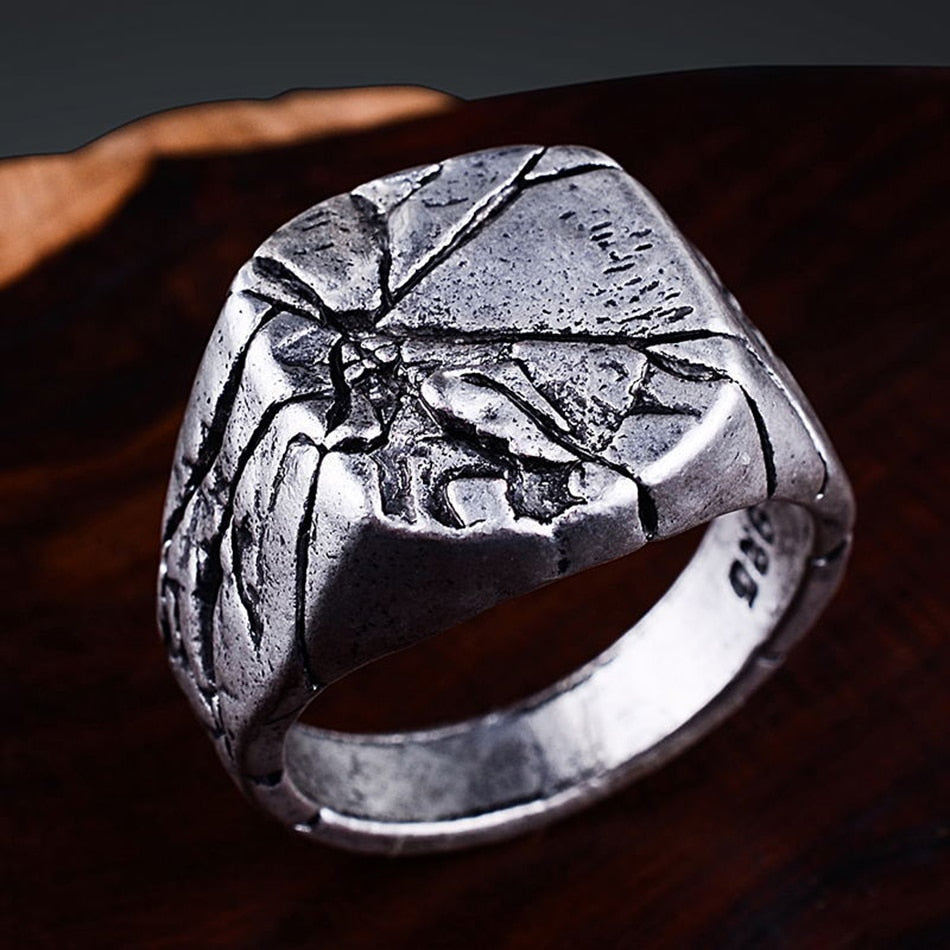 Simple Punk Style or Hip Hop Vintage Square Ring for Man with Cracked Stone Design