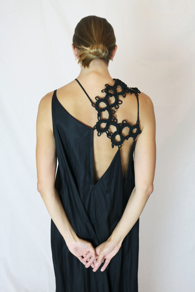 Maxi creased dress with tatting lace detail